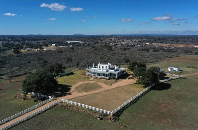 Real Estate Listings - Llano County